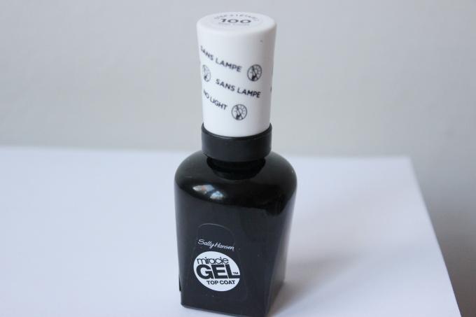 sally-hansen-miracle-gel-top-coat