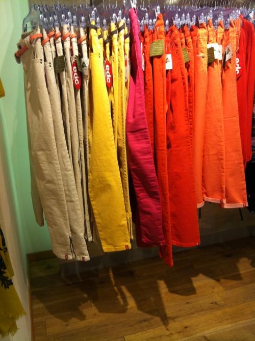 barevne-kalhoty-esprit