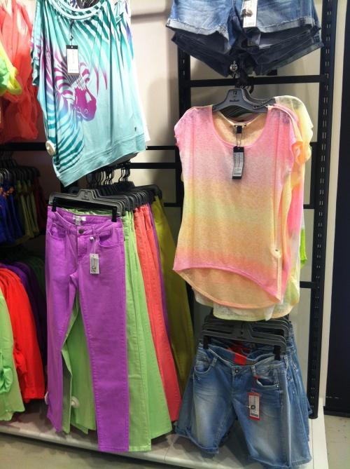 new-yorker-neonove-kalhoty