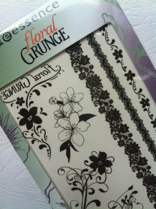docasne-tetovani-essence.floral-grunge