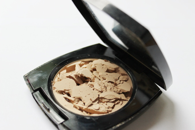 rozbita-kosmetika