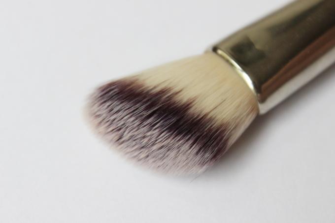 kosmeticke-stetce-clanek