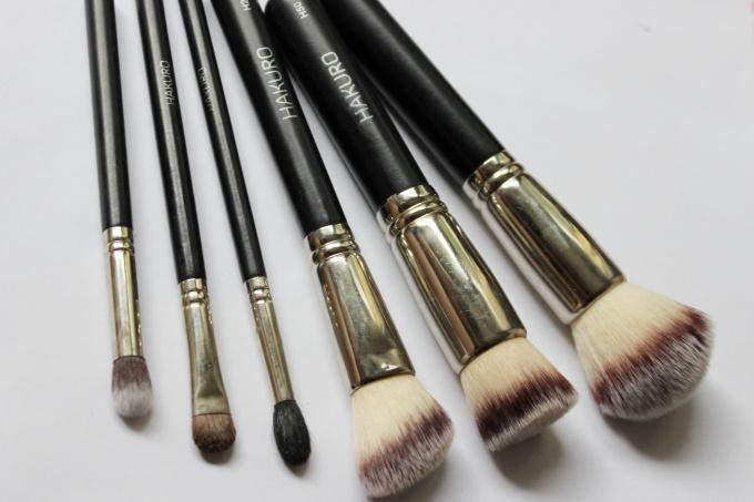 kosmeticke-stetce