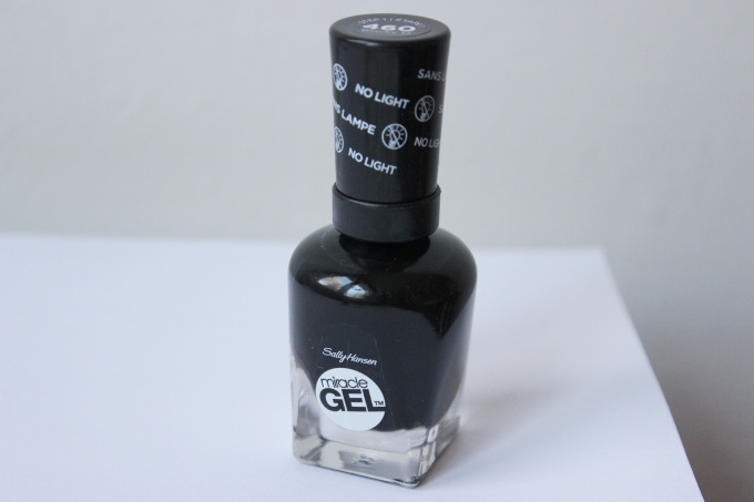 sally-hansen-miracle-gel-cerny