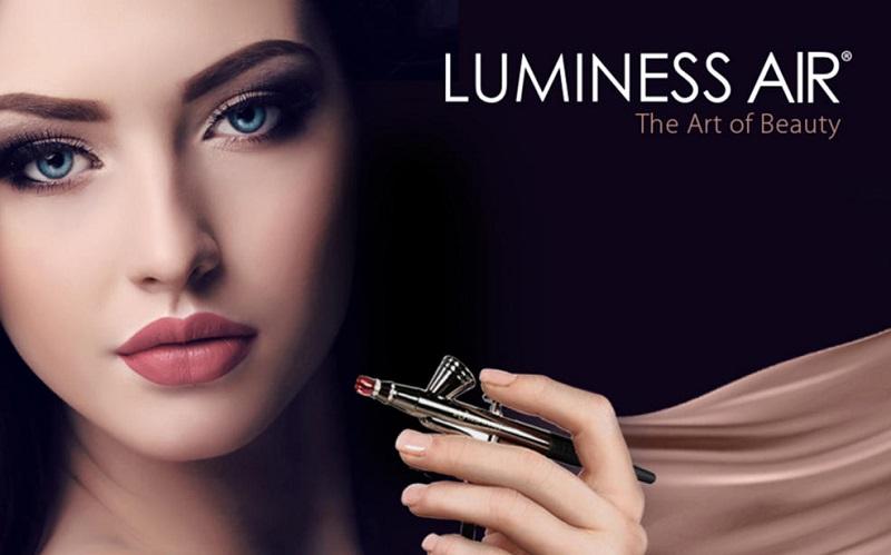 Airbrush makeup - bezdotykový makeup - Kosmetické trendy.cz