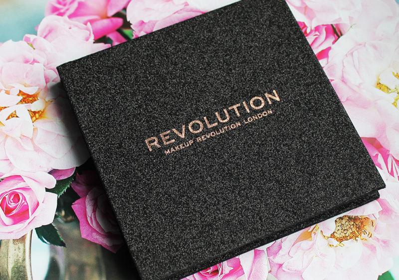 kosmetická-paleta-makeup-revolution
