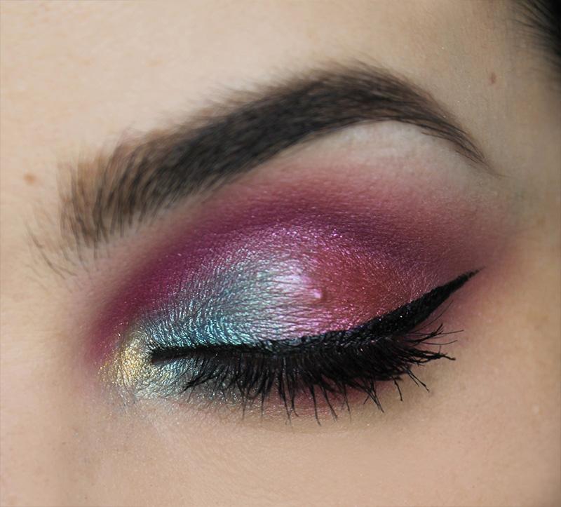 barevné oční líčení