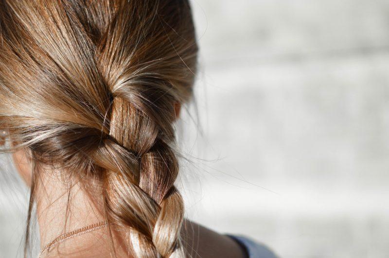 Zdrave vlasy zapletene
